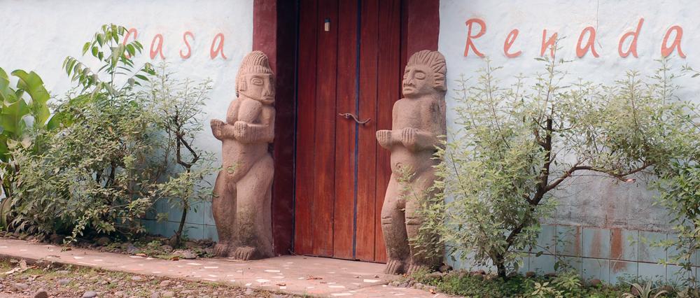 casa-renada-enter-to-the-apartments